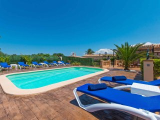 Villa with Pool 5 minutes to Beach, Muro