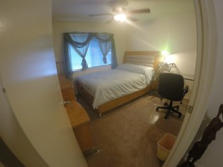 VeryNice&ComfyRoom W AC in an 4 bdrmExecutive Home, Kapolei