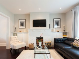 Executive Rental - Upscale Leaside, Toronto
