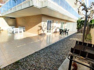 Apartamento con patio privado en Salou