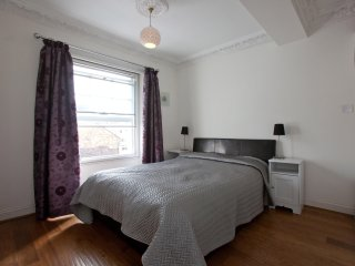 2: Kensington apt close to tube station (Zone1)
