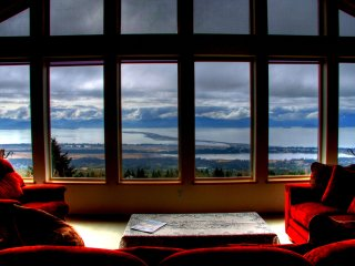 Stunning Panoramic View (Upper/Lower/Whole House), Homer