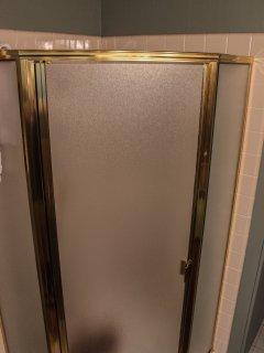 Easy entry shower