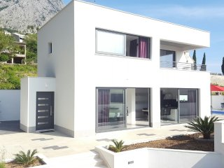 Brand New Villa/ Pool/ SeaVIew/ great price!!!, Makarska