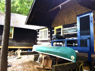Rustic Boat  access  LIttle Hawk Lake Cottage, Haliburton