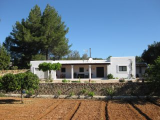 Finca S´Hort den Cala Ibiza. Wifi, Barbacoa, Parking