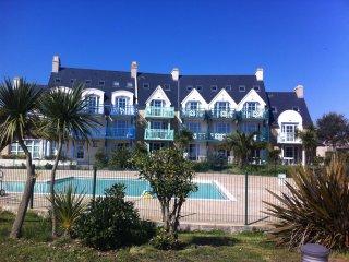 Appartement 4 personnes vue mer avec piscine