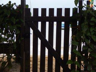 Beach House em frente a praia na  Vila do Abraão!