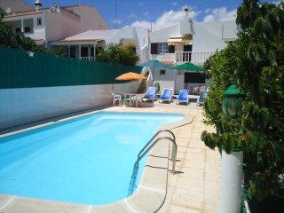 Vivenda c/piscina privativa a poucos kms da praia