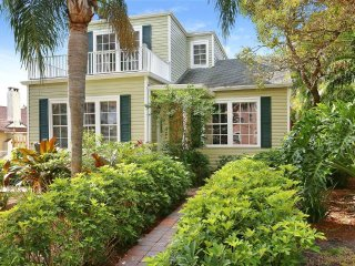 3BR/2BA Spacious Charleston Cottage 1932 sq. ft., West Palm Beach