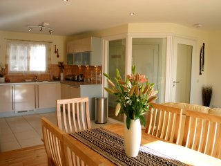 Stunning Holiday Apartment. 5min Walk to the Beach, Polzeath