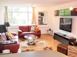 2 BR (7) - Inverness, Queensway, London
