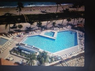 HOLLYWOOD BEACH 78 DE LUXE OCEAN VIEW MIAMI CLIMATIZED POOL 4 PEOPLE