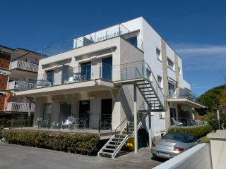 Apartamentos con terraza y a 25 mts de la playa, Castelldefels