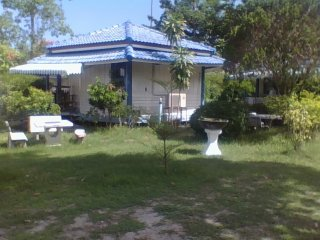 NM Beach Bungalow Big Beds A/C HWater 4 -5 guests, Ko Phangan
