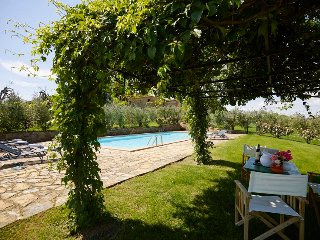 Villa Corti is a wonderful holiday home in Chianti between Siena and Florence. I
