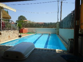 Small family house-Swimming pool-Relax, Nea Makri