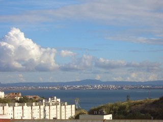 View over Tagus, in a quiet neighborhood, Lisboa