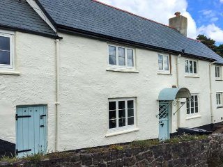 GREENSLADES, pet-friendly, open fire, woodburner, garden, in Exford, Ref. 27158