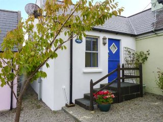 THE GALLERY, cosy romantic retreat, woodburner, WiFi, parking, Baltimore, Ref 929999