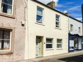 THE BEACH HOUSE, close to beach, pet-friendly, WiFi, Sky TV, in Eyemouth, Ref 931134