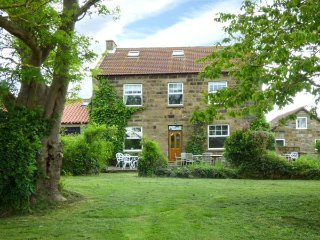 THE FARMHOUSE, detached, en-suite, large garden, in Boggle Hole, Robin Hood's Ba