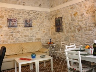 Heraklion Charming Stone Built Apartment.
