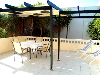 Kokkini Hani 1st floor Apartment 100m from the sea, Heraklion