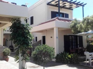 Kokkini Hani 1st floor Apartment 100m from the sea
