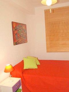 Habitacion con cama de 1.35*1.90