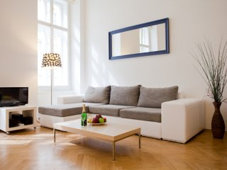 3 bedroom Apartment La Rotonde –for up to 8 people, Praga