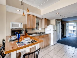 Oceanfront 1BR North Hampton Beach Condo w/Pool