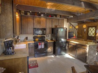 South Lake Tahoe - 4 BR Cabin, Pet Friendly - LTA 8023