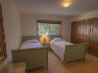 South Lake Tahoe - 3 BR Home, Private Hot Tub, Mountain View - LTA 8084