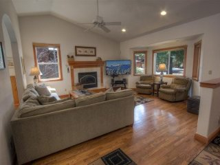 South Lake Tahoe - 4 BR Home, Private Hot Tub, Pet Friendly - LTA 8102