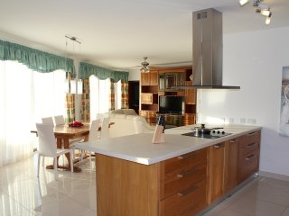 Spacious Penthouse 3 Bedroom Large Terrace, San Pawl il-Baħar (St. Paul's Bay)