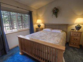 South Lake Tahoe - 4 BR Home, Gas BBQ - LTA 8110