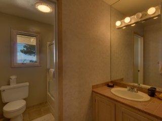 Incline Village - 4 BR Condo, Lake View - LTA 8131, Lake Tahoe (Nevada)