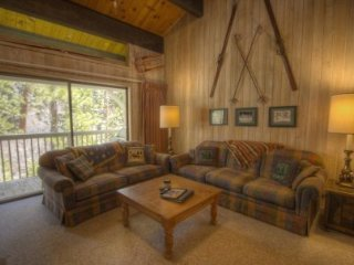 Kingswood Village - 3 BR Condo, Creek & Wood View - LTA 8157, Lake Tahoe (Nevada)