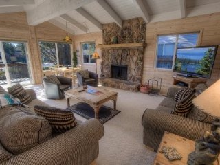 South Lake Tahoe - 3 BR Home, Boat Dock, Private Hot Tub - LTA 8220