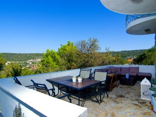 Vila Lida beautiful home on sunshine side Dalmatia, Veliki Drvenik