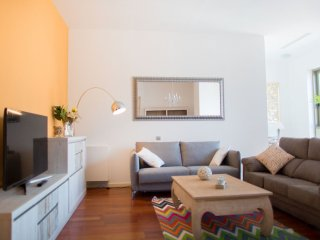 Luxury Central Angel IV apartment in Barrio Gotico with WiFi & lift., Barcelona