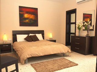 4 bedroom  Airconditioned Apartment in the Heart of Malta
