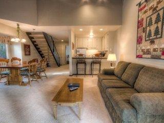 Incline Village - 2 Bedroom Condo - LTA 8235