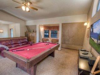 South Lake Tahoe - 4 Bedroom Home, Private Hot Tub, Pool Table - LTA 8052