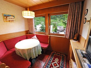 114B - Apartments Benedet - One-Bedroom Apartment, Santa Cristina Valgardena