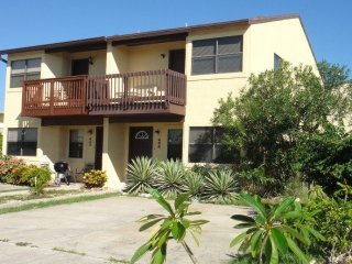 404 Taylor Ave, Cabo Canaveral
