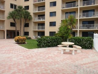 7520 Ridgewood Ave Unit #205, Cape Canaveral