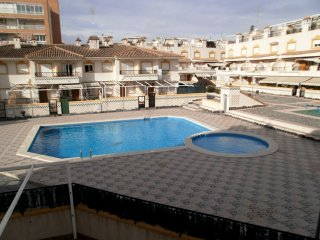 Ref. 928 - Bungalow duplex con gran terraza, piscina, aire
