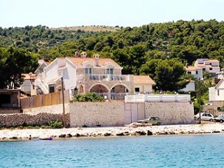 Bonacic Palace-stone house by the sea, Slatine